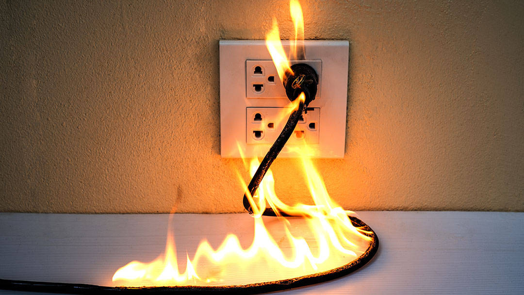 7 Dangerous Signs Of Electrical Faults In Your House